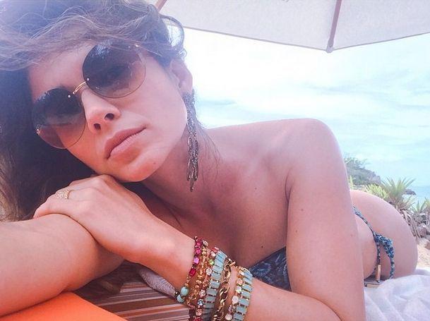 Paula Fernandes - Fotos nua e pelada