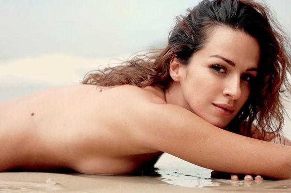 Francisca Queiroz - Fotos nua e pelada