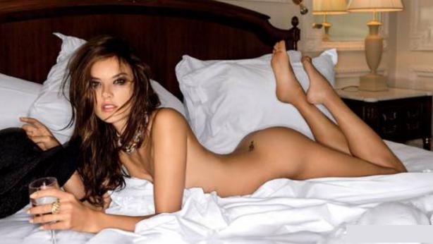 Alessandra Ambrosio - Fotos nua e pelada