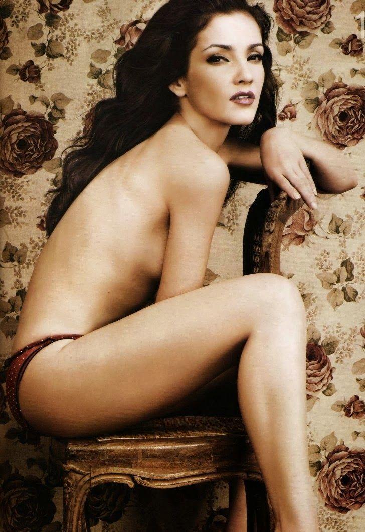 Karla Álvarez - Fotos nua e pelada