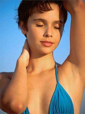 Débora Falabella - Fotos nua e pelada