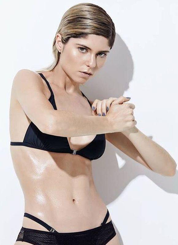 Julianne Trevisol - Fotos nua e pelada