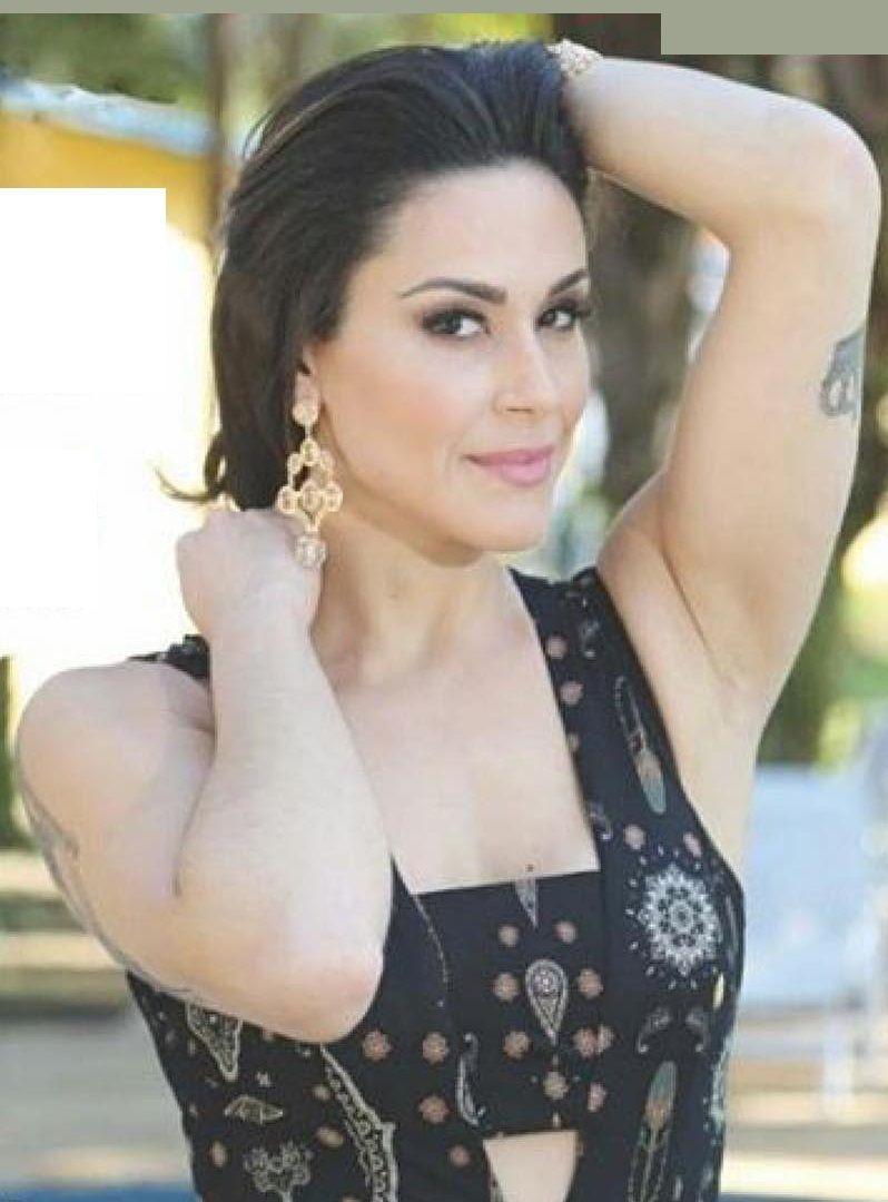 Apresentadora Nadja Haddad - Fotos nua e pelada