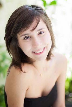 Daphne Bozaski - Fotos nua e pelada