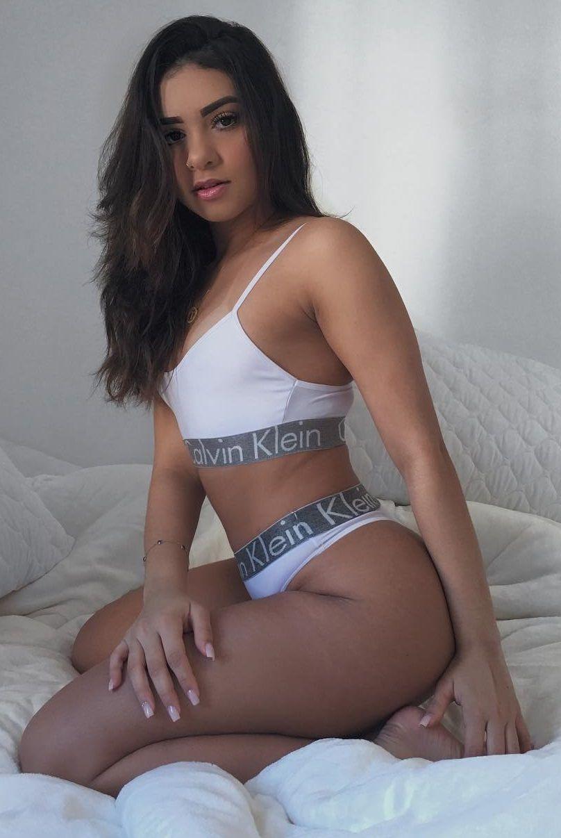 Tainá Costa - Fotos nua e pelada