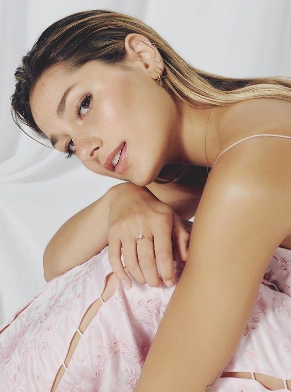 Sasha Meneghel - Fotos nua e pelada