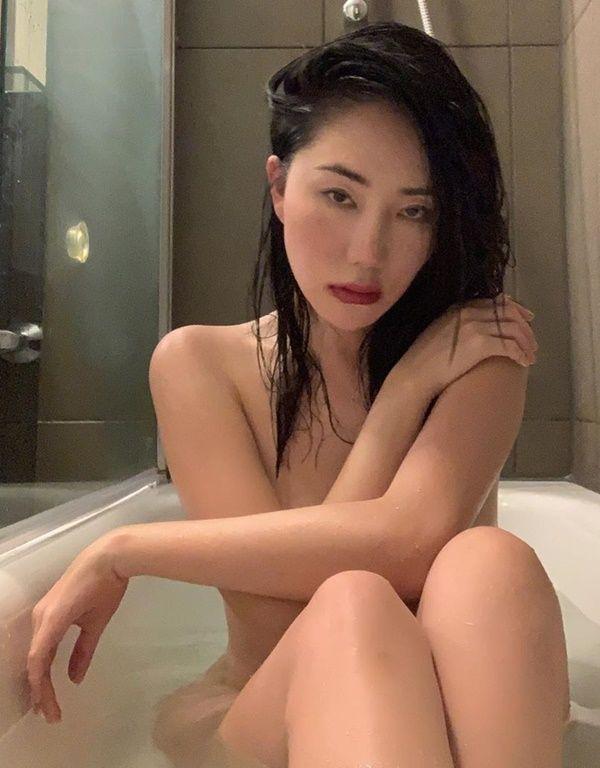 Lissa Hamada - Fotos nua e pelada
