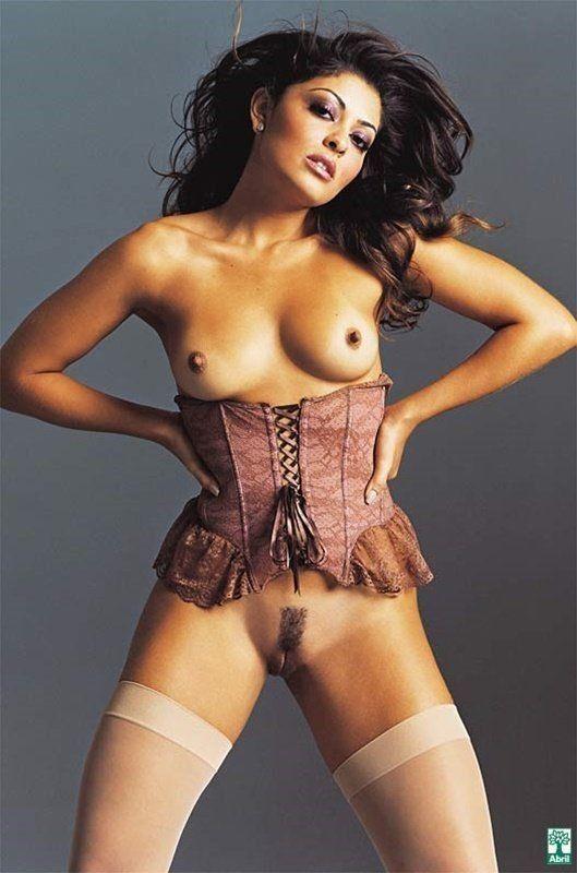 Juliana Paes pelada em fotos sensuais