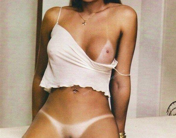 Juju Salimeni pelada nua se exibindo