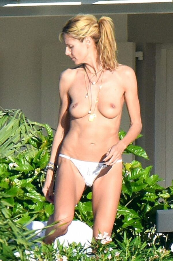 Heidi Klum nua fazendo topless