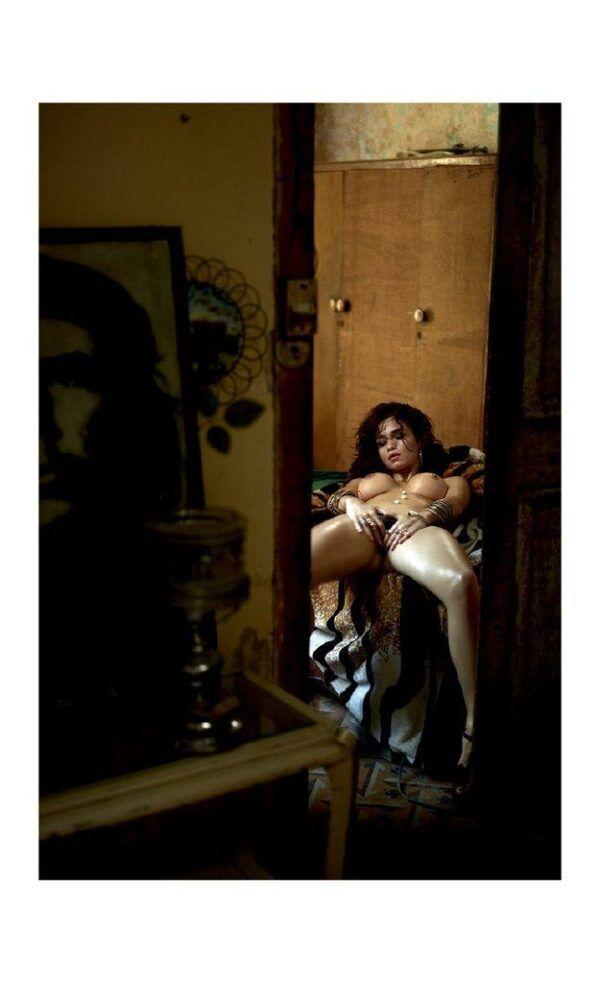 Nanda Costa nua em 15 fotos na Playboy