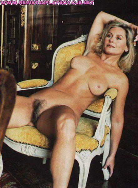 Vera Fischer nua em fotos na revista Playboy de 2000